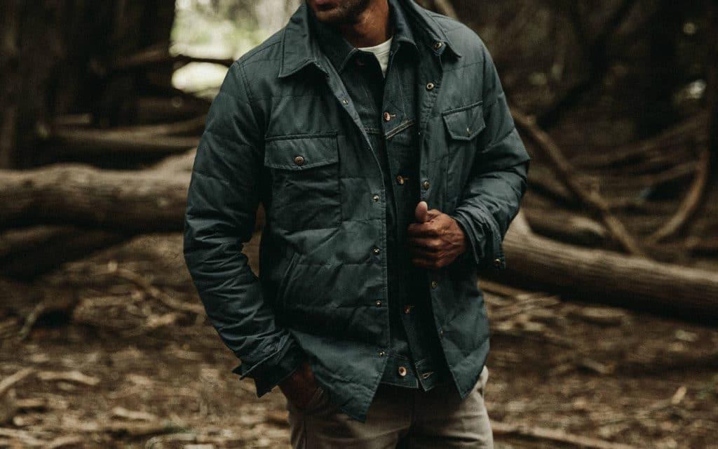 Men/'s Blue Denim Vest w// Snap Front Closure Shirt Style Collar /& Chest Pockets