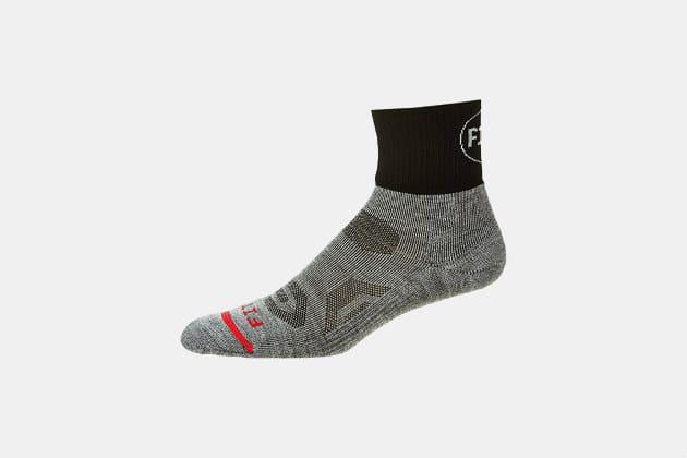 Fits Performance Trail Quarter Socks
