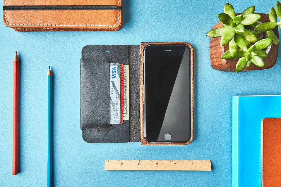 Grovemade Walnut & Leather iPhone Wallet Case
