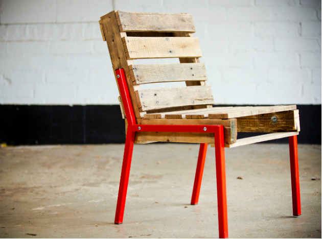 Pallet Chair with Steel Legs
