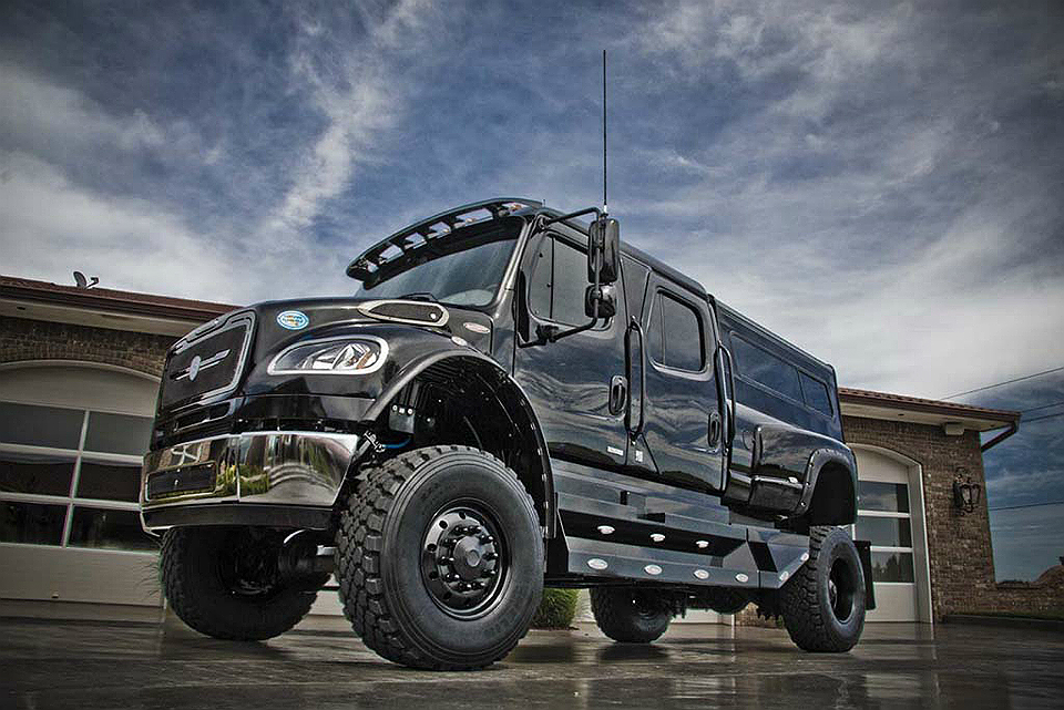 SportChassis P4XL Off-Road SUV