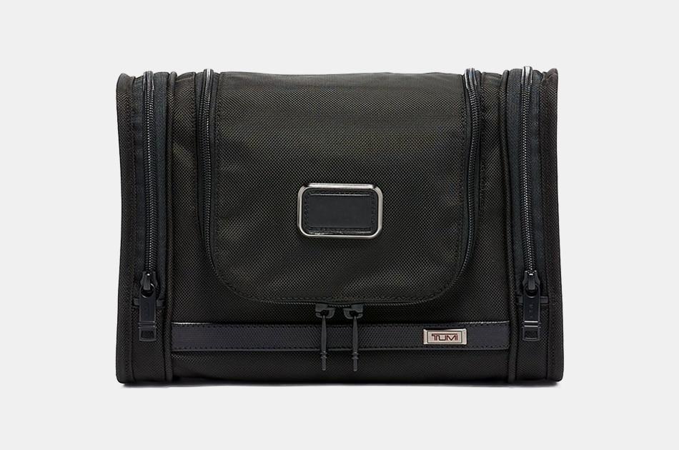 Tumi Alpha 3 Hanging Travel Kit