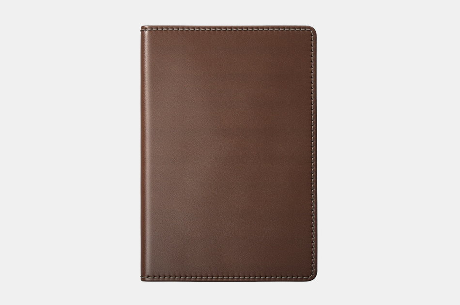 Nomad Passport Wallet With Tile Tracking