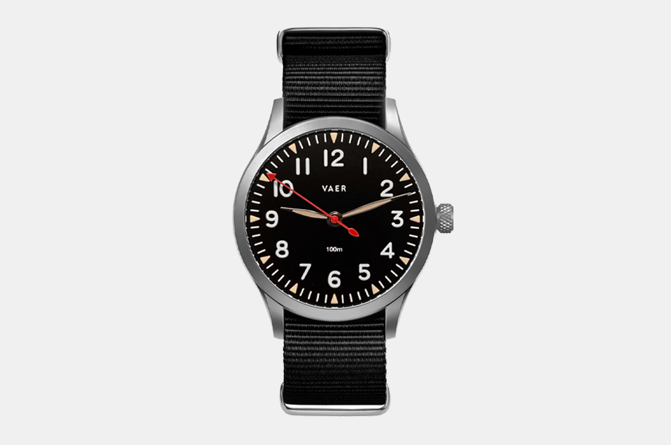 Vaer Standard Issue Field Watch
