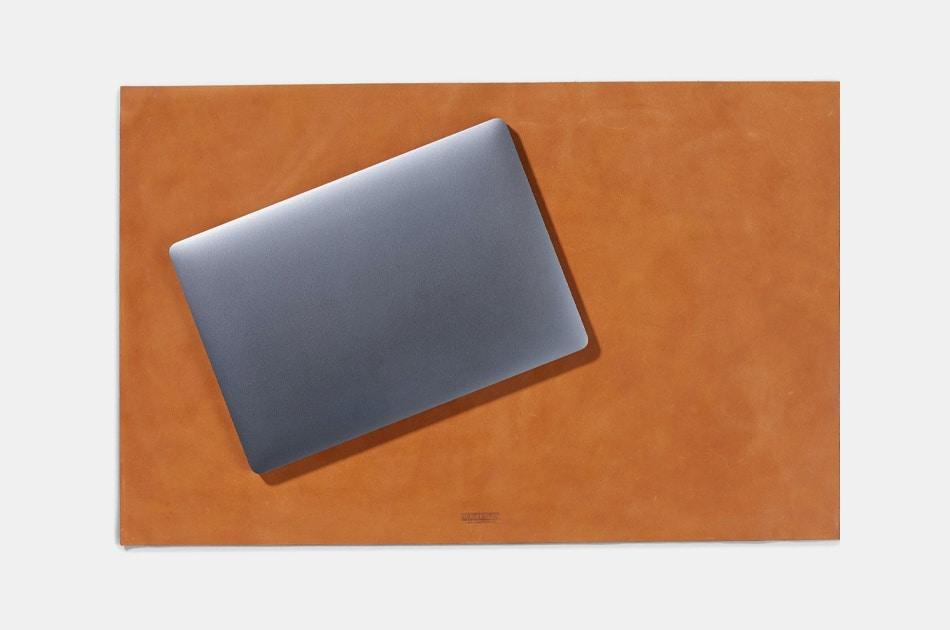 Parker Clay Gebeta Desk Mat