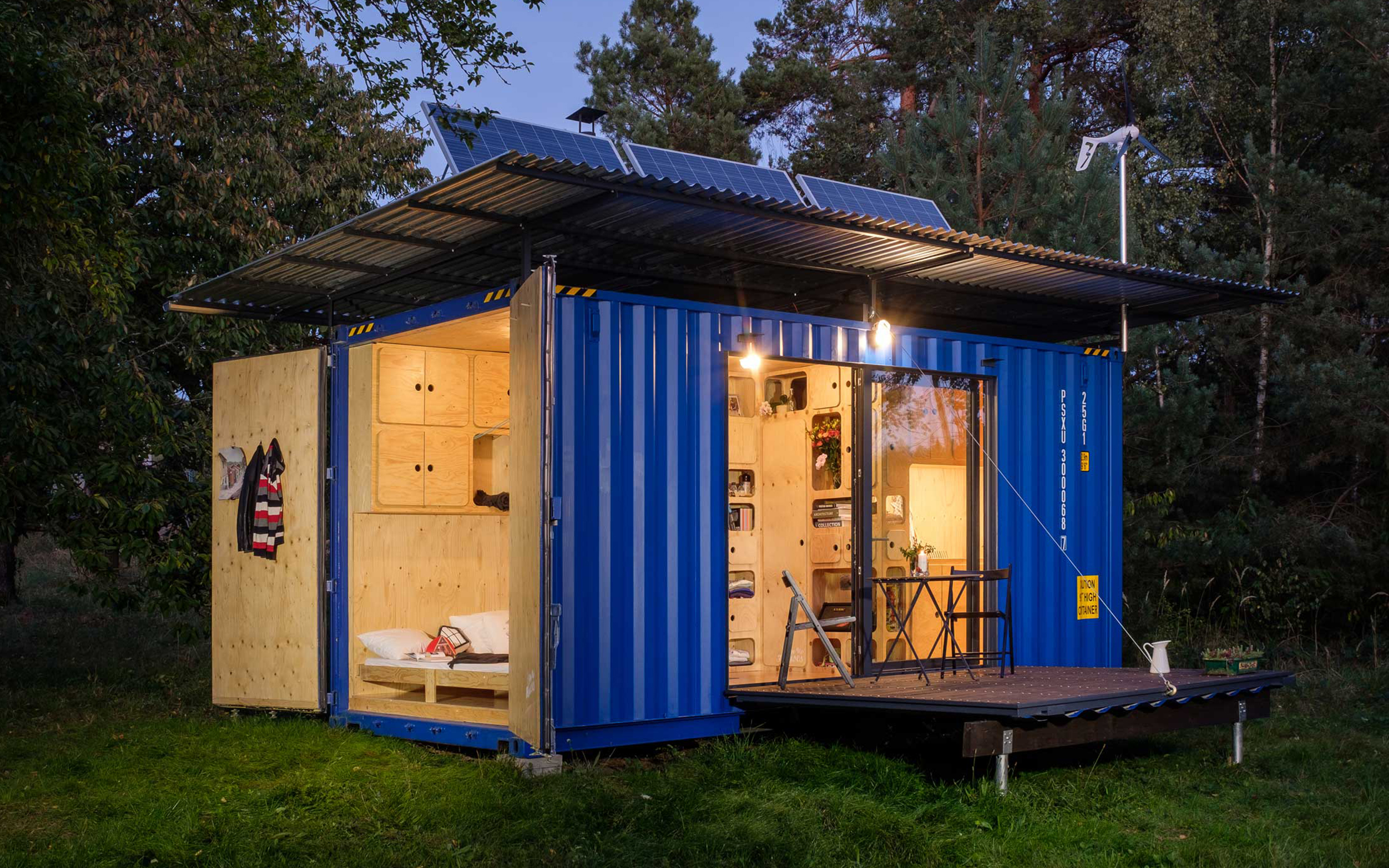 Pin-Up Houses Off-Grid HC Container House