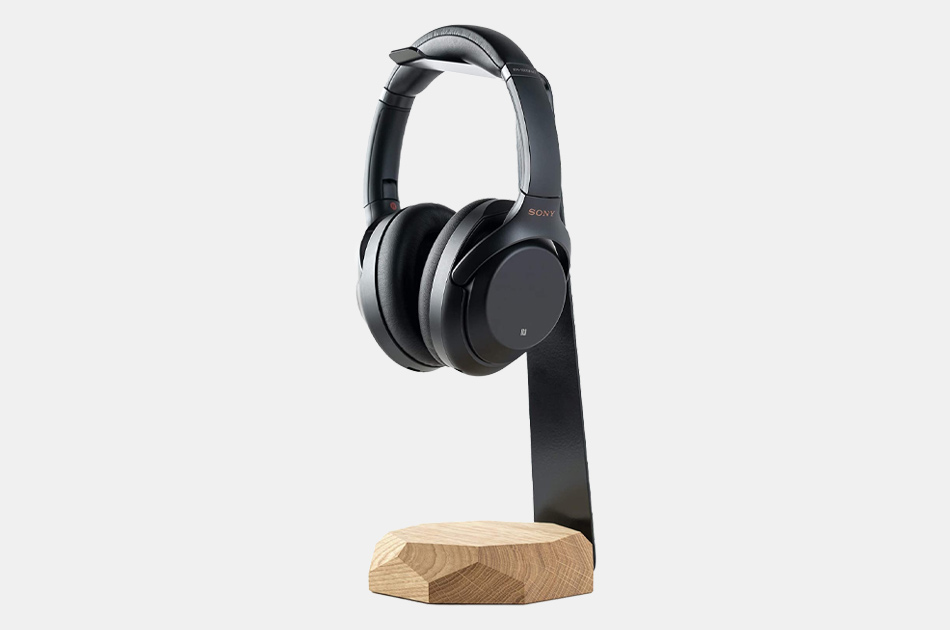 Oakywood 2-in-1 Walnut Headphone Stand & Charger